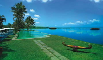 ENCHANTING KERALA VACATION