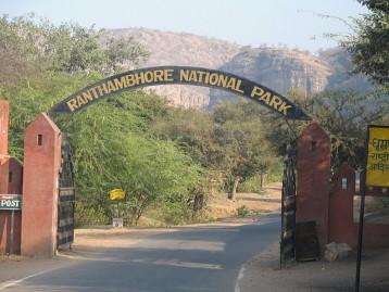 Delhi (2) – Agra (1) – Jaipur (2) – Ranthambhore (1)