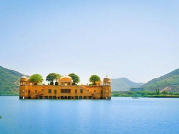 Delhi (1) – Agra (2) – Jaipur (2) – Ajmer (1) - Delhi (1)