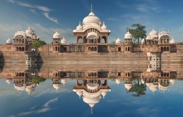 HOLY SHRINES (Delhi 2N - Mathura 1N - Agra 1N - Jaipur 2N)